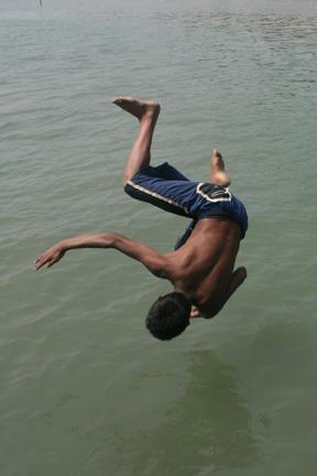 Airborne!!