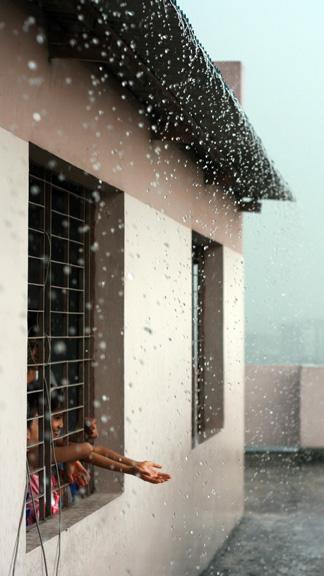 Rain drops are falling!