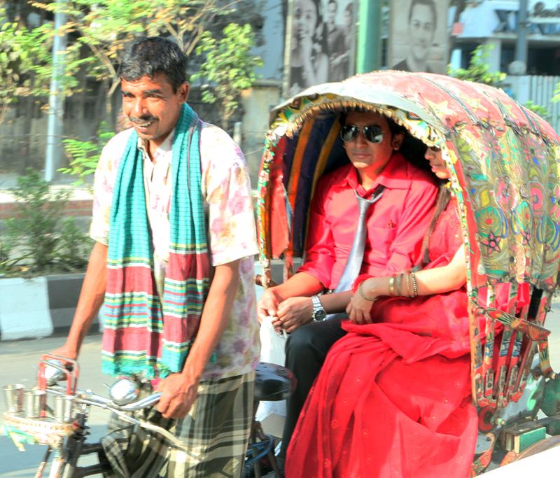 Rickshaw Valentine's Day travelers.