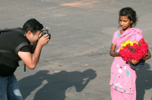 marlandphotos-blog-street-vendor-Flower-seller-Victory-Day-Portrait