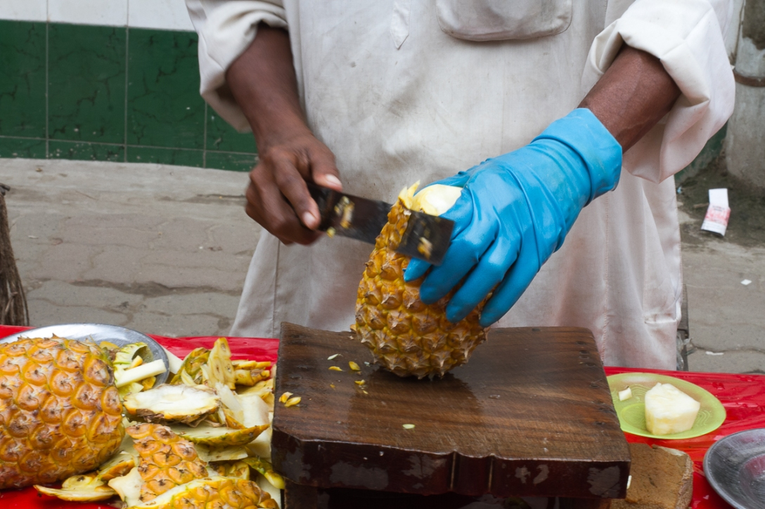 marlandphotos-blog-photography-pineapple-street-hawker-OldDhaka