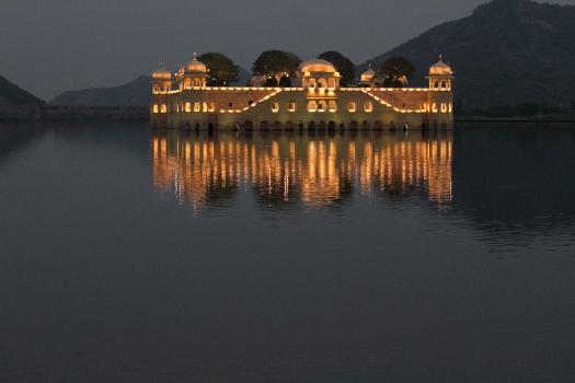 marlandphotos-blog-photography-Travel-India-Reflection-night-Jaipur
