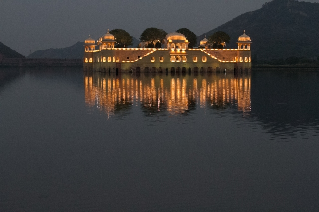 marlandphotos-blog-photography-Travel-India-Reflection-night-Jaipur